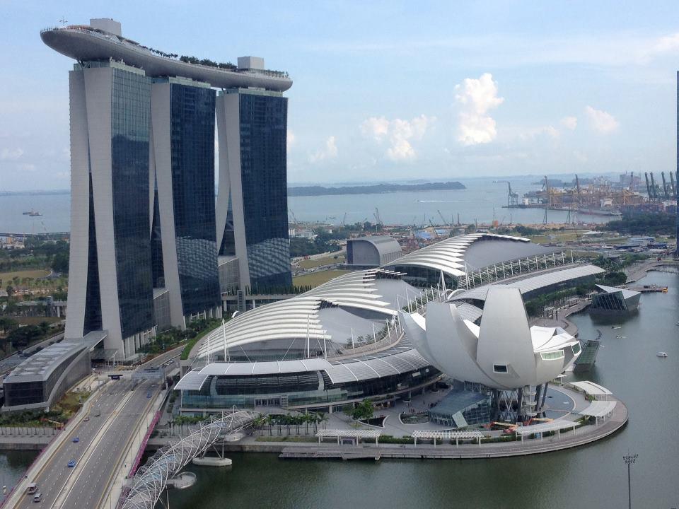 Фото Сингапура Марина бей с вертолета